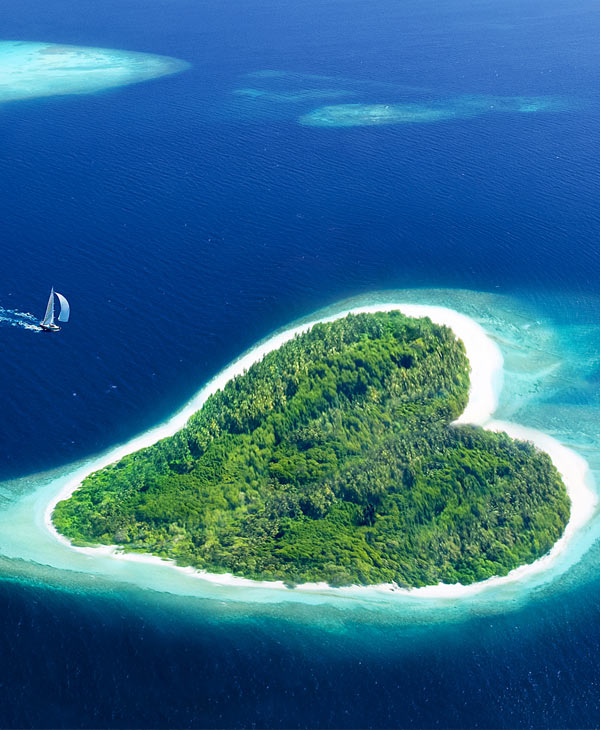 services-honeymoon-heart-island