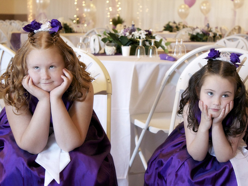 children-at-wedding-bored
